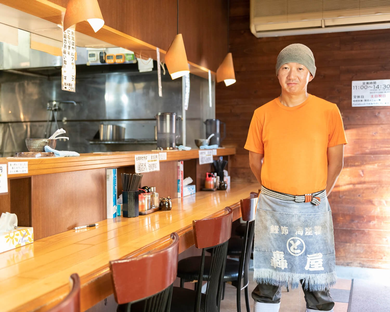 店主の森川聡さんのイチオシは「台湾ラーメンに生卵のトッピング870円。まろやかな味わいになりますよ」。