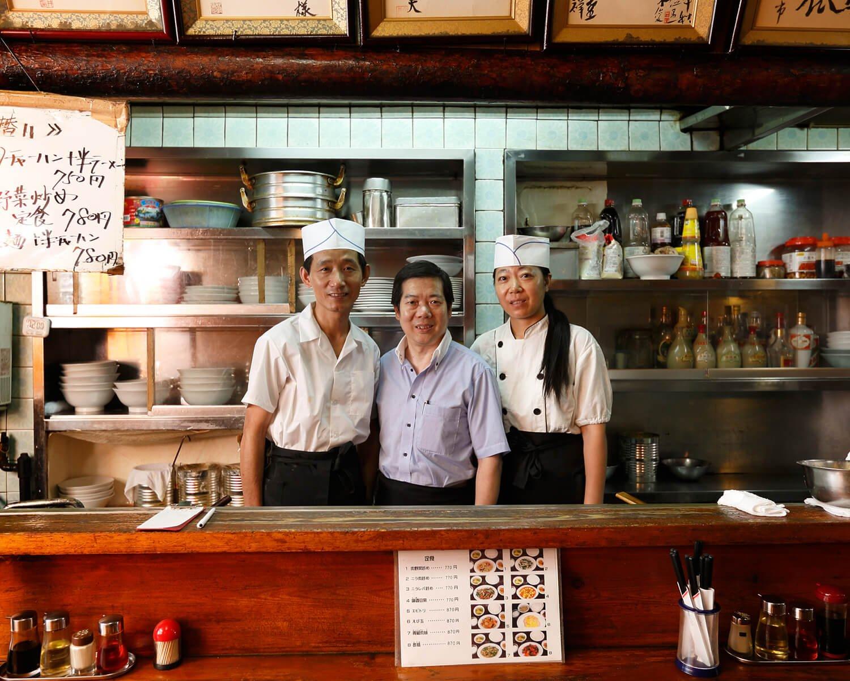 マスターの吾さんをはじめスタッフは全員中国出身。