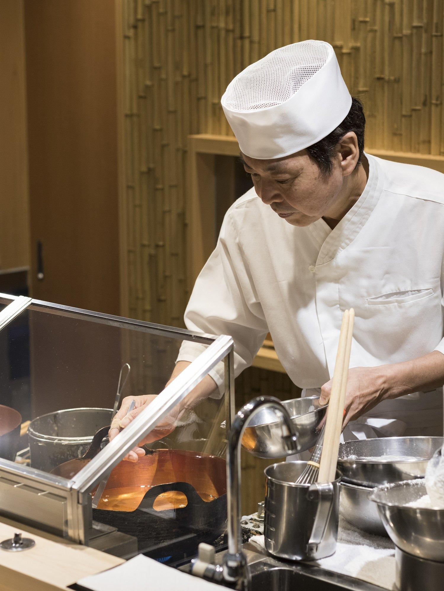 職人技を極めた店主の木口和浩さん。