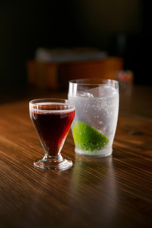 ハンター1600円。サクランボの蒸留酒のリッキー1500円