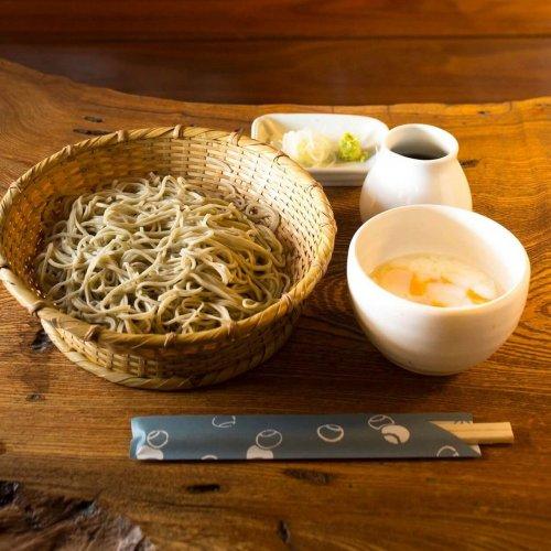 深大寺詣でに訪れたら欠かせない、伝統の味に触れるそば屋巡りを。