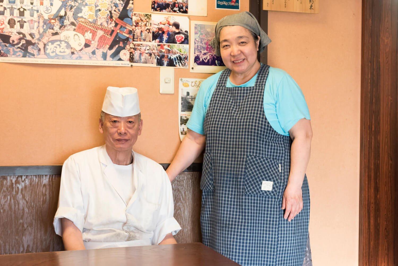 京都で修業し、海外のレストランで腕を振るった経験を持つ、日本料理一筋の片山博孝さん、妻の和子さん。
