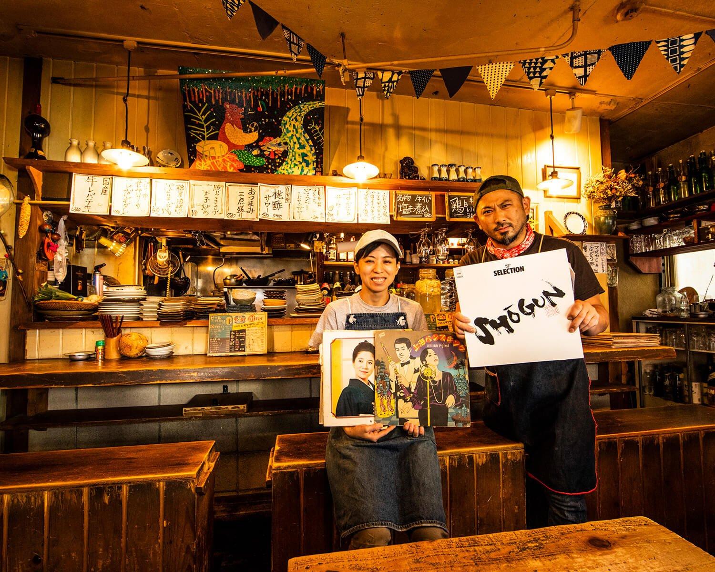 天田さんと、店長の小海(こかい)春美さん。