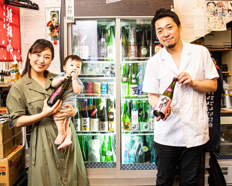 富田さんと、妻の久美子さん、息子の玖(きゅう)くん。