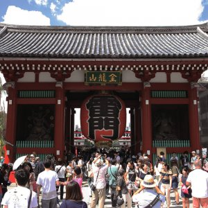 浅草駅からはじめる浅草・入谷散歩~外国人観光客にも人気の下町王道コース