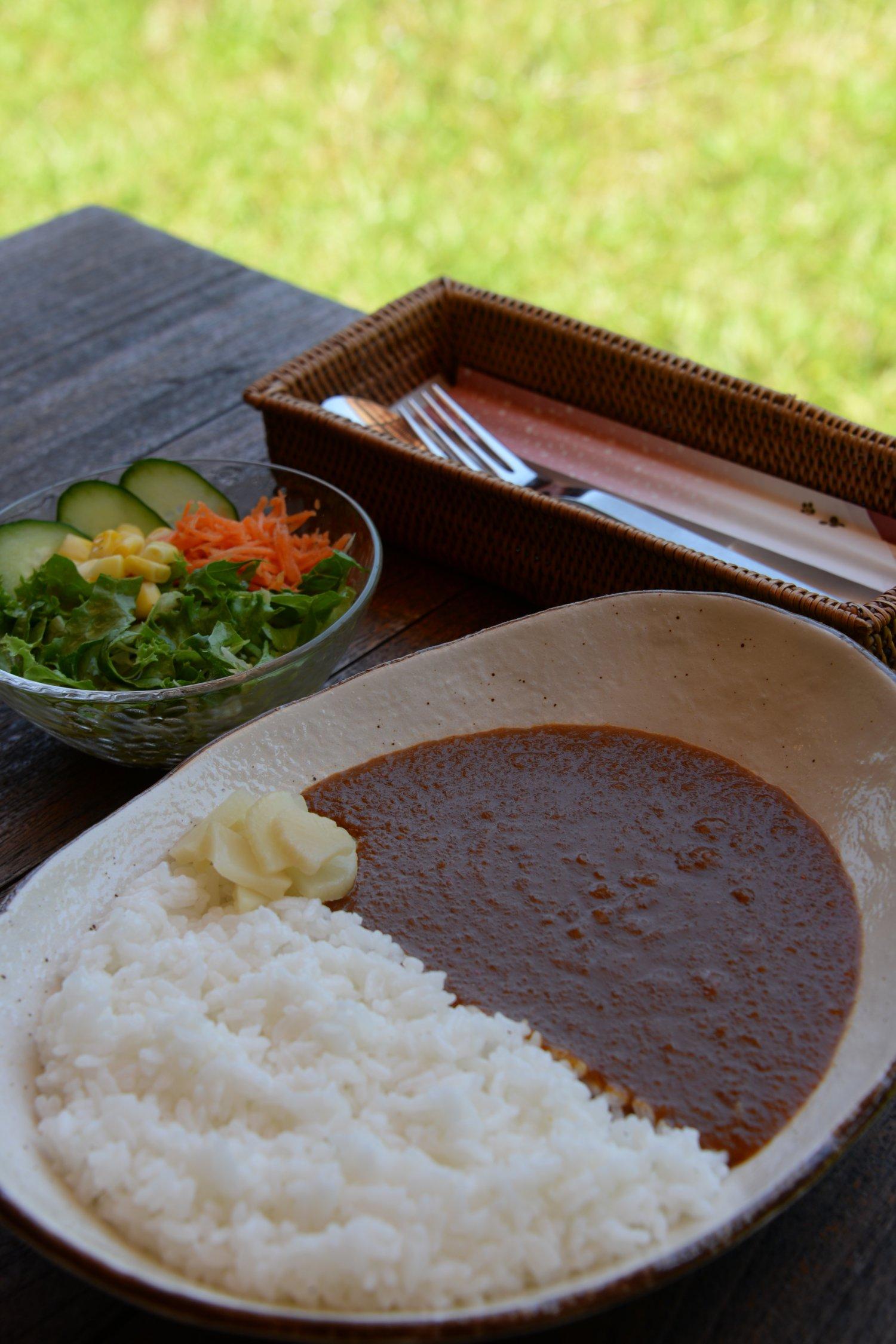 辛さが選べるオーロラカレー860 円は、店を引き継いだ眞臣さんの自信作。