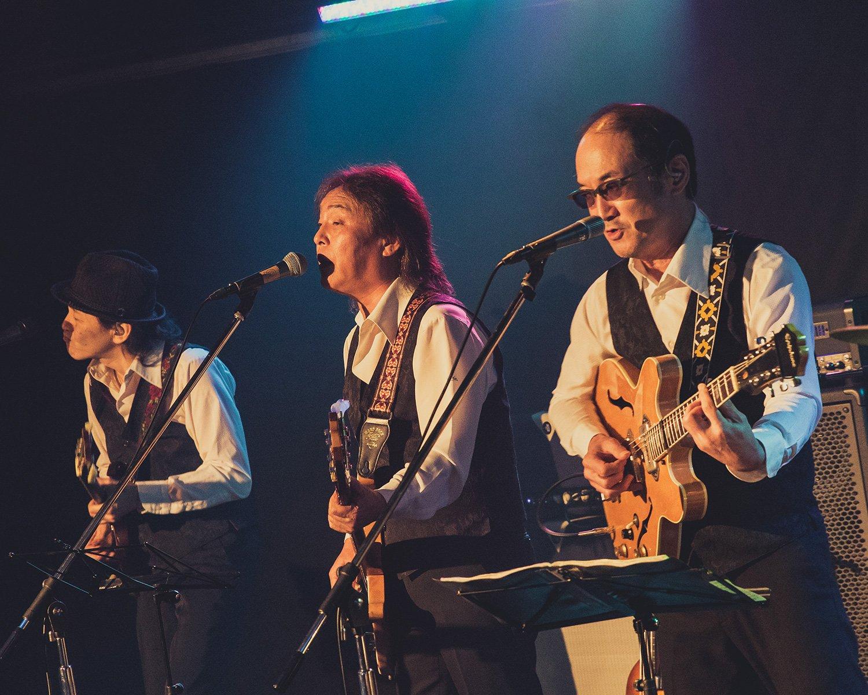 永沼さん(写真中央)のボーカルは、ビートルズ時代はもちろん、ウイングス時代のポールの曲も絶品。