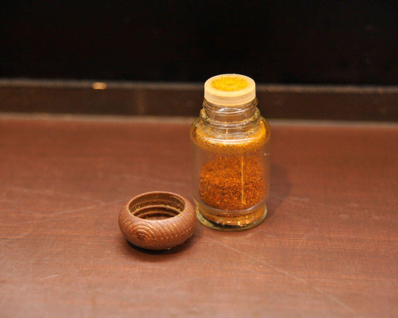 卓上にはコショウはなく、山椒が効いた特製七味のみ。