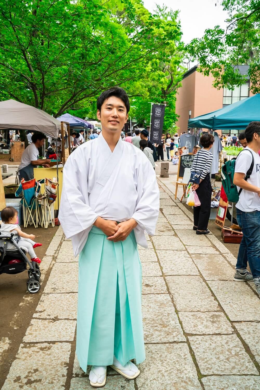 葛飾八幡宮 宮司 持田篤史さん。京都の上賀茂神社で修業。そこでは手作り市が盛んで、葛飾八幡宮に戻ったら自分も地元のために何かしたいと考えたという。