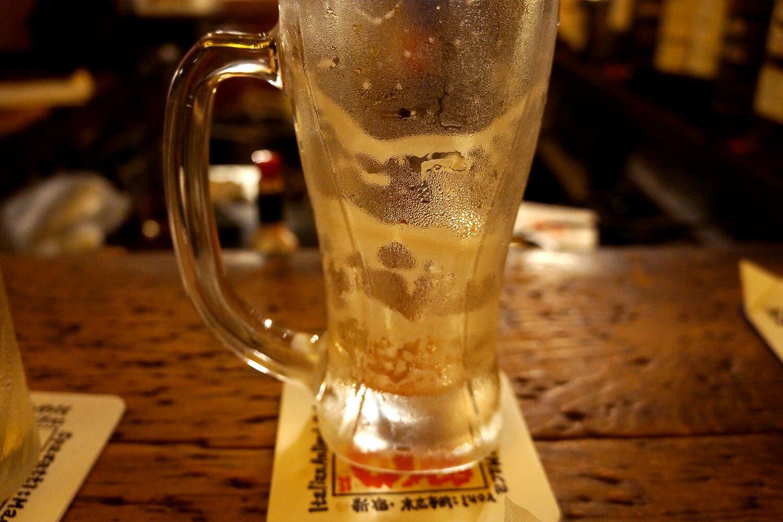 ジョッキに残る泡のリングは、うまいビールの証拠