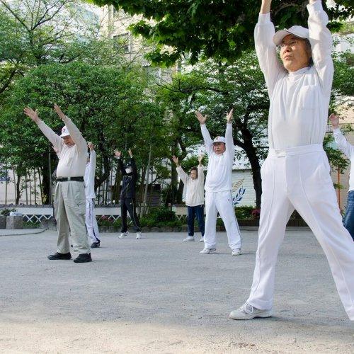 「ラジオ体操」の歴史は千代田区と台東区にアリ!