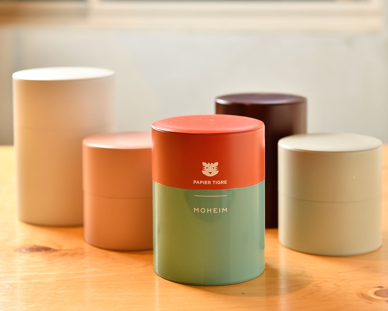 カフェの食器と同じMOHEIMのTINCANISTERは茶筒に使いたい! Sサイズ2860円~。