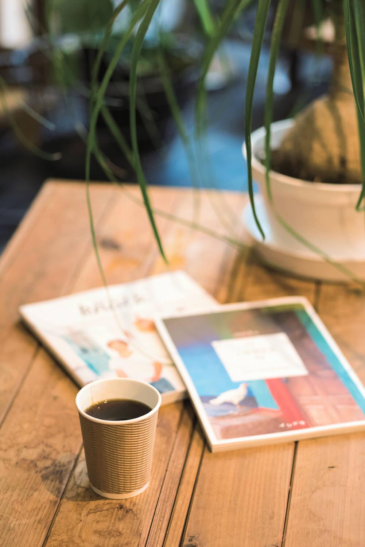 コーヒー400 円~。フルーティーな香りに驚く。