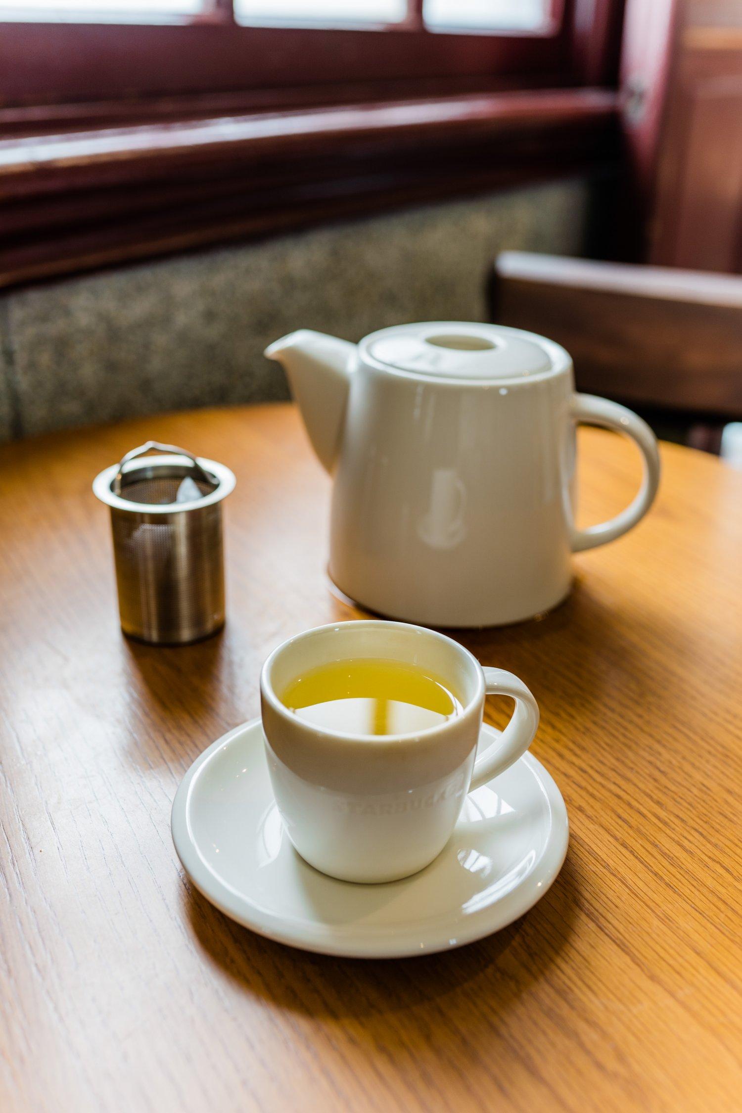 台湾産・阿里山烏龍茶180 元