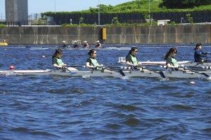 東京オリンピックを歩く ボート