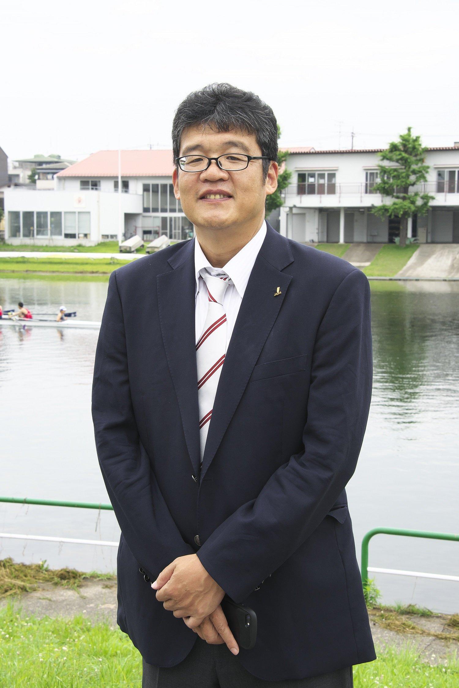日本ボート協会広報担当の吉田健二さん。ご自身も早稲田大学でボート競技の日々だった。