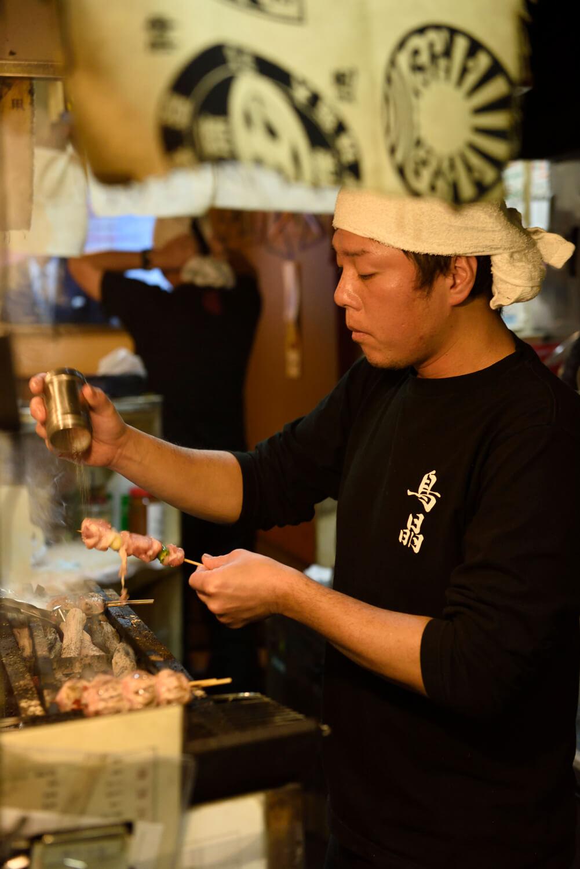 「最高の状態で食べてほしいので、盛り合わせはなく1本ずつ提供してます」と店主。