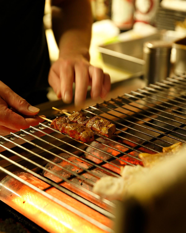 もつ焼きの部位は全て豚肉。どれも大ぶり。
