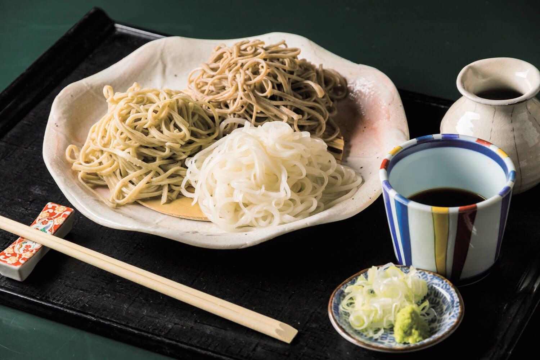 三種蕎麦きり1530円。