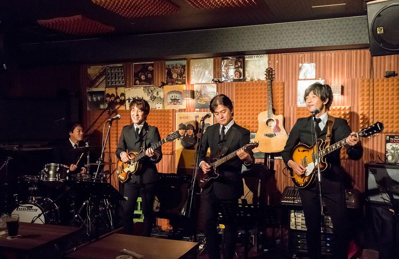 浅草寺徒歩圏で毎週ビートルズライブを開催! 浅草『LIVE IN APPLE』