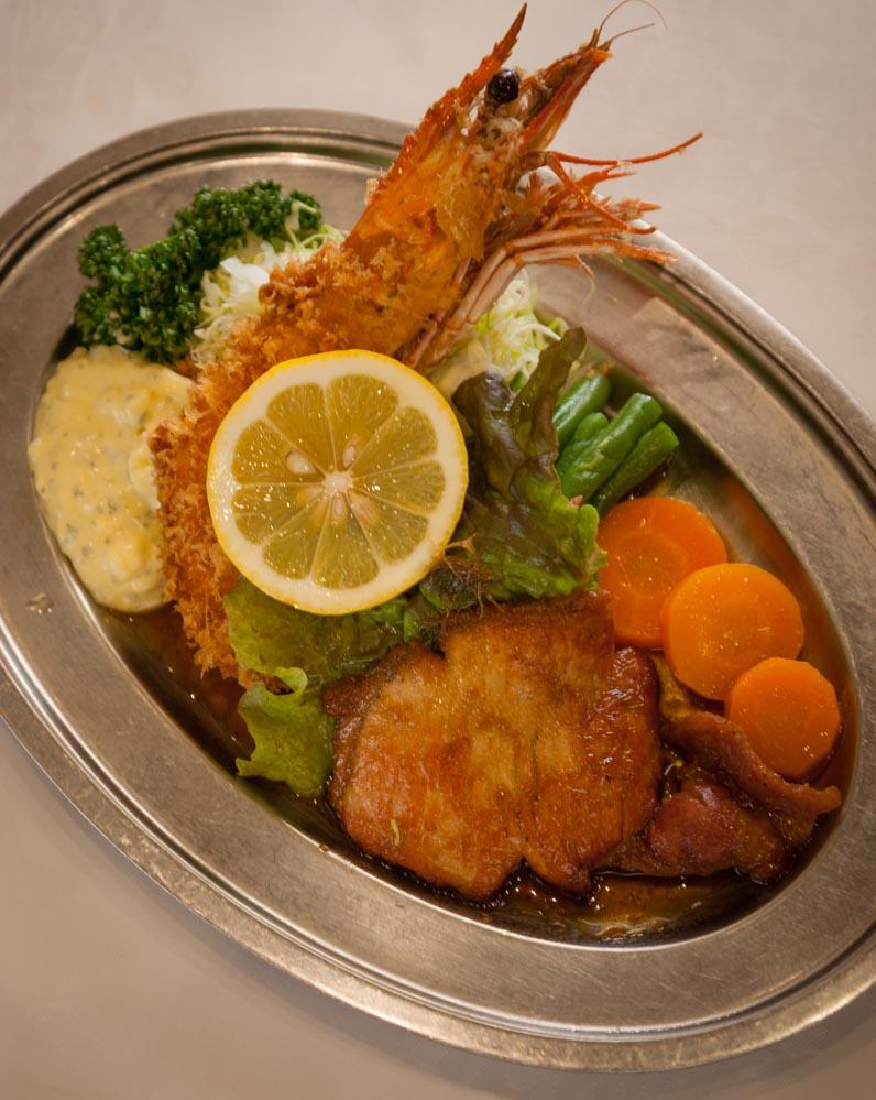 C料理は、ライスも付いて1550円。