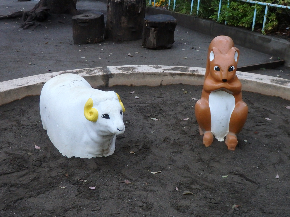 千駄木の須藤公園にて(2017年撮影)