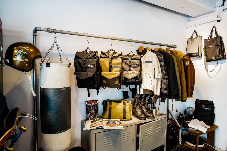 リュック以外にも豊富なデザインのバッグ類が並ぶ。