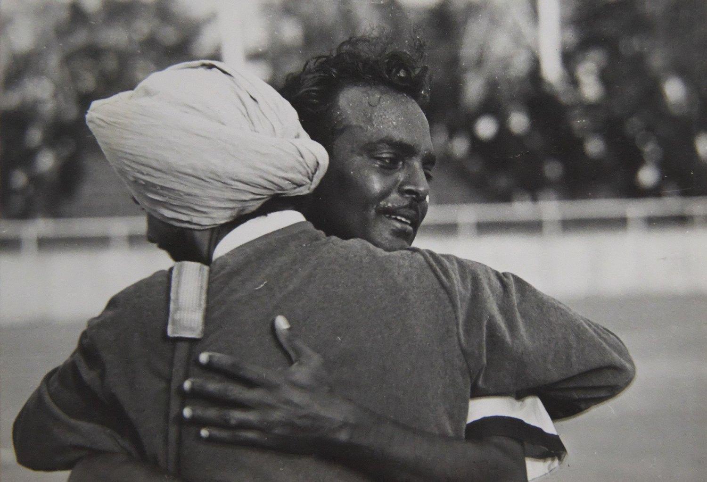ここで世紀の決戦も。印パ戦争に揺れるインドvsパキスタン決勝戦直後の写真だ(日本ホッケー協会提供)。