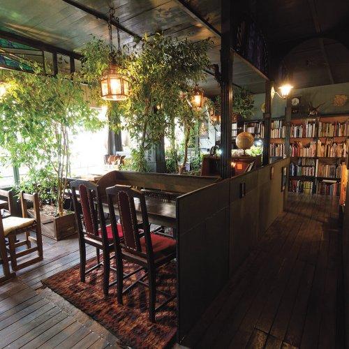異彩を放つ高円寺の喫茶店で、ほっとひと息。