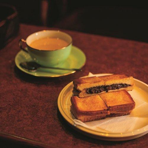 今も昔も喫茶店に癒やされる。神田の名喫茶がここに