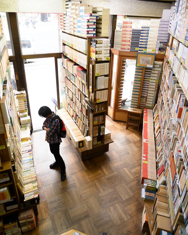 古本ではあるが、どの本も美しい。買った文庫にはカバーをかけてくれる。