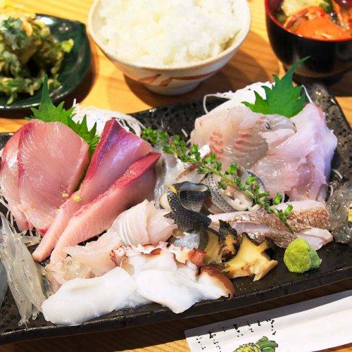 湘南の風を感じながら満喫したい、江ノ島・鎌倉で味わう海鮮グルメ
