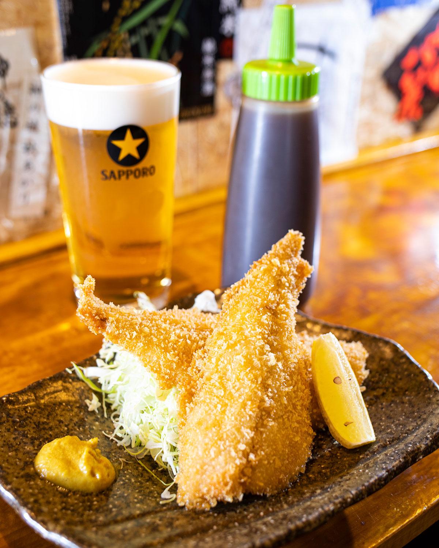 単品追加率の高いアジフライ580円はビール500円と。