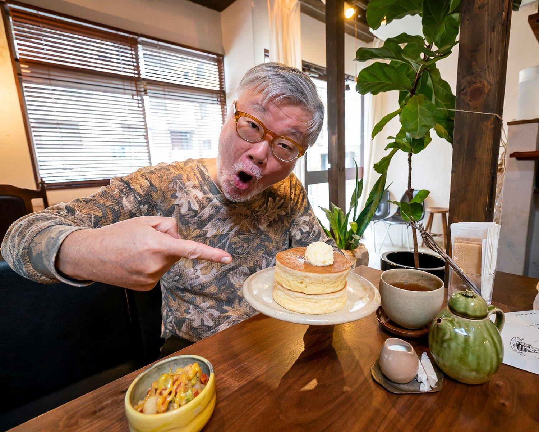 ホットケーキのポテサラセット1550円はドリンクと低温調理されたポテサラがつく。紅茶は平日だと2杯、土・日・祝は1杯。