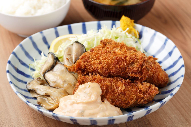 カキミックス定食1950円。
