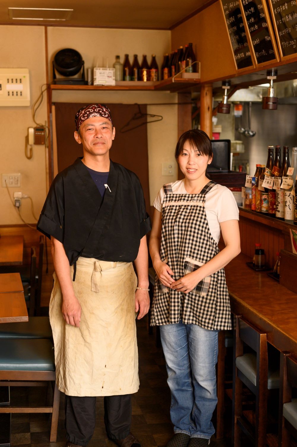 店主と優子さん夫婦で切り盛り。