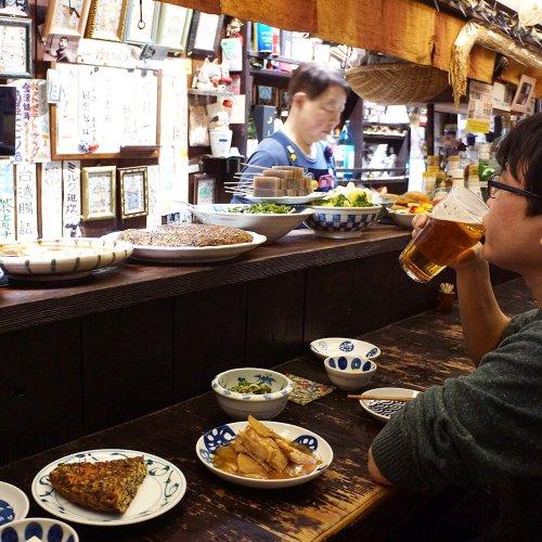 根津『木曽路』〜親子経営のほっこり酒場。その店名に秘められた想い〜