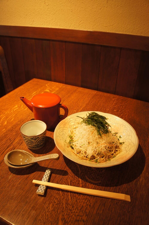 サラダ蕎麦1000円。