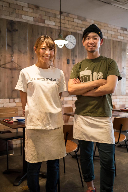 北原さん(右)とスタッフの彩夏さん。