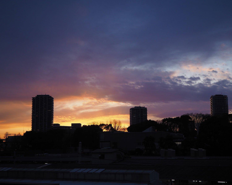 上野駅から望む夕焼け。