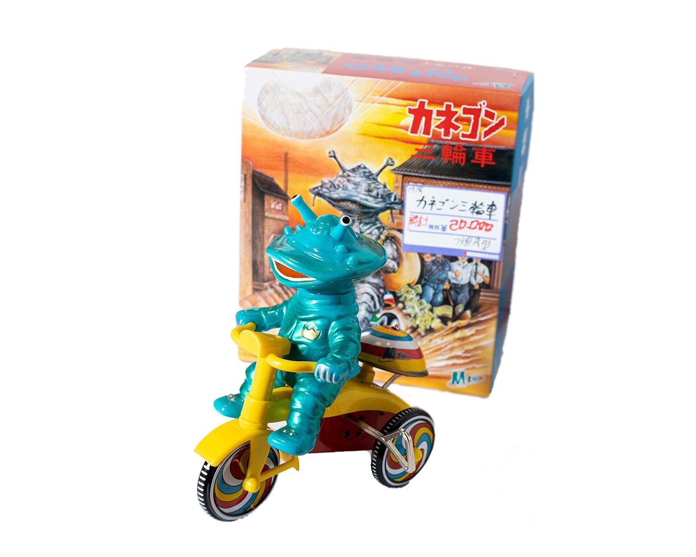 なつかしのカネゴン三輪車2万円。