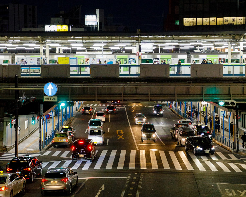 西日暮里駅前歩道橋