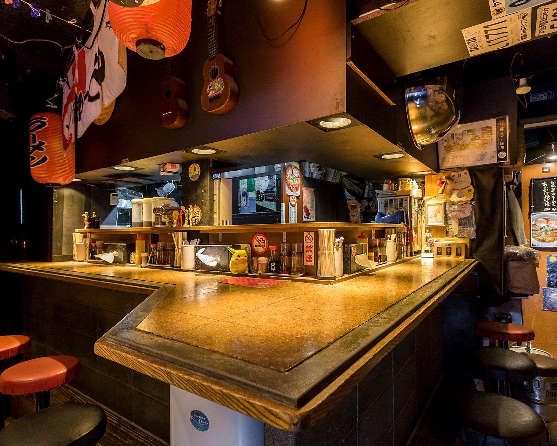 昭和の風情が漂う店内。ひとしきり飲んでからラーメンで締めたくなる。