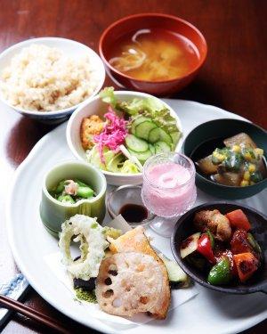 Vegetable-&-fruit-古民家カフェ-conaya01