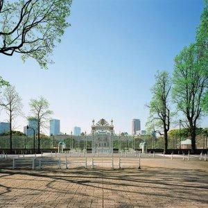 赤坂見附駅からはじめる赤坂・四谷・新宿散歩~迎賓館から飲み屋街まで都会の魅力満載コース