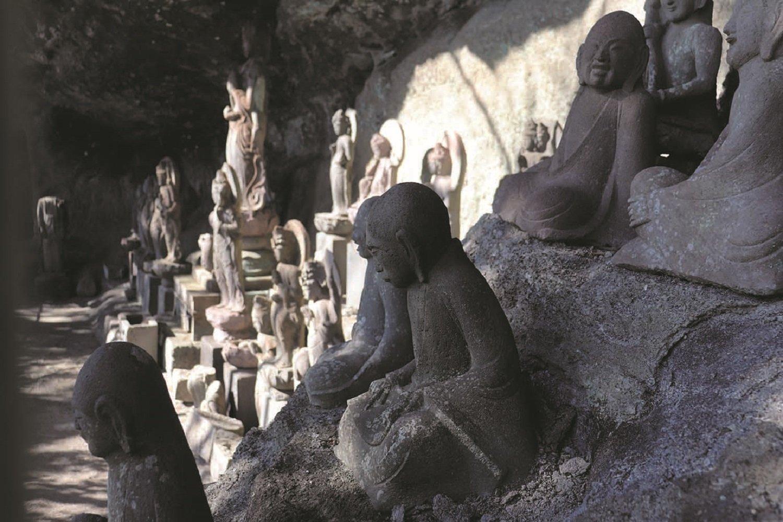 たくさんの石仏を発見!