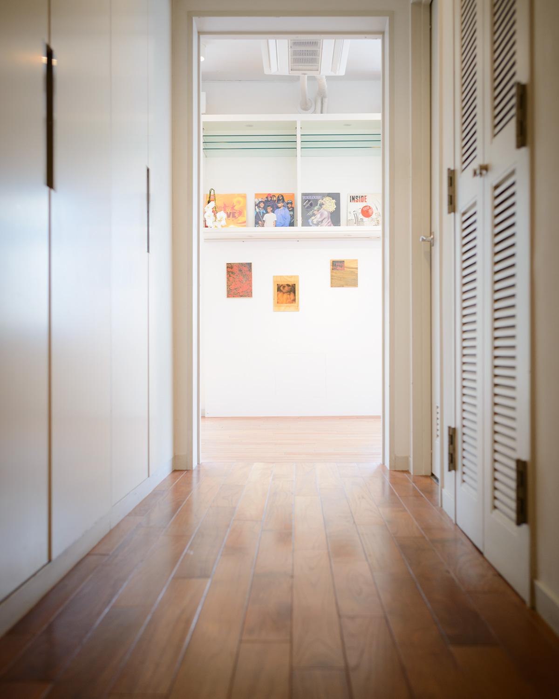 「Jo Motoyo Solo Exhibition」では、インスタレーションや写真作品が並んだ。(2017年9月取材当時)