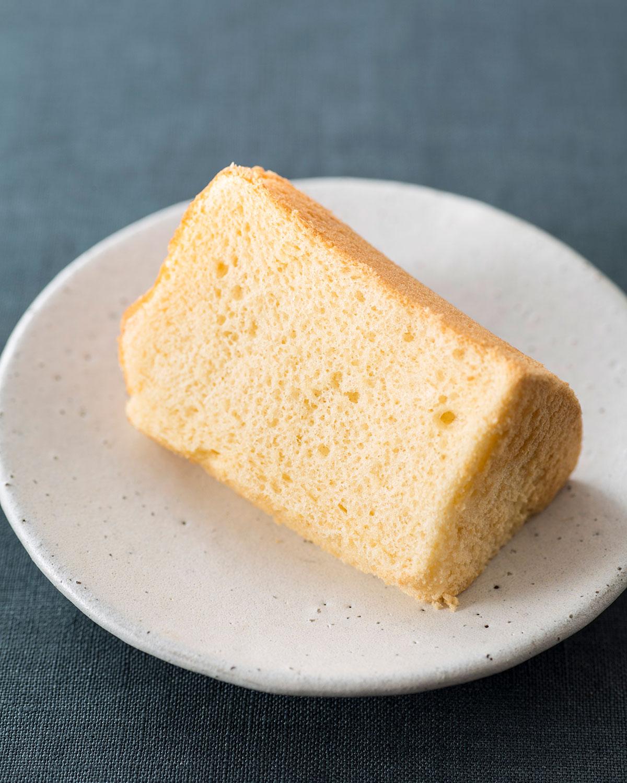 シフォンケーキ(プレーン)1カット160円。味は7〜8種あり。