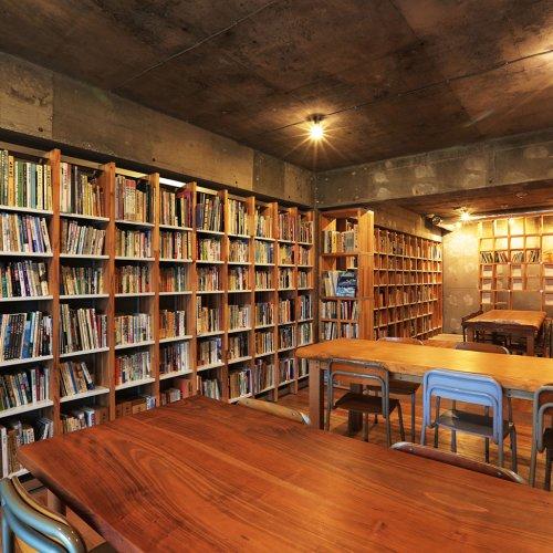 一日中過ごせる、東京の個性的なブックカフェ3店