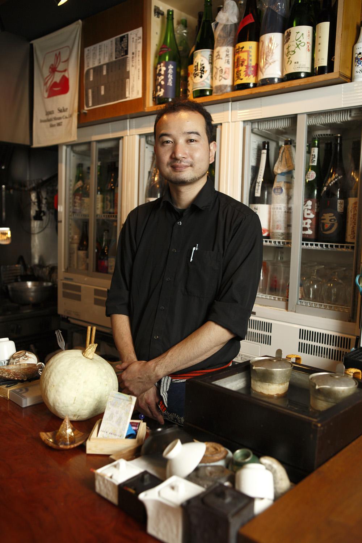 2015年に同店をオープンさせた店主の村本昌彦さん。